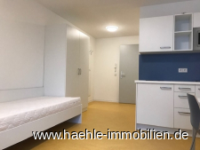 BLick Küche und Eingangsbereich