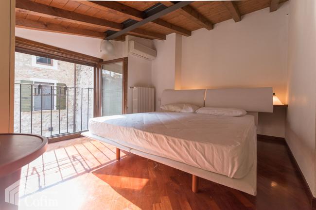 Appartamento in vendtita Villa Schlafzimmer