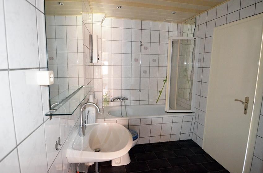 Badezimmer (Whg 2) 1.OG