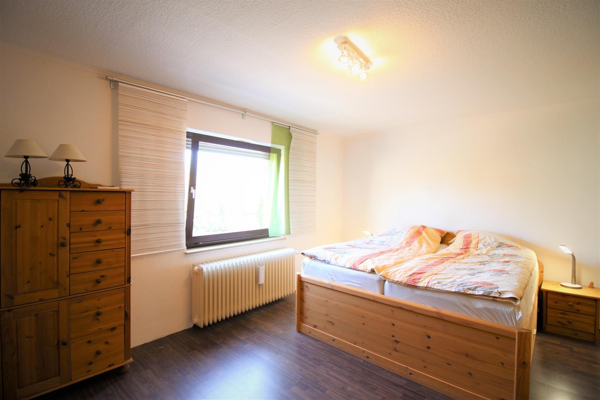 Schlafzimmer 3,85 m x 4,99 m