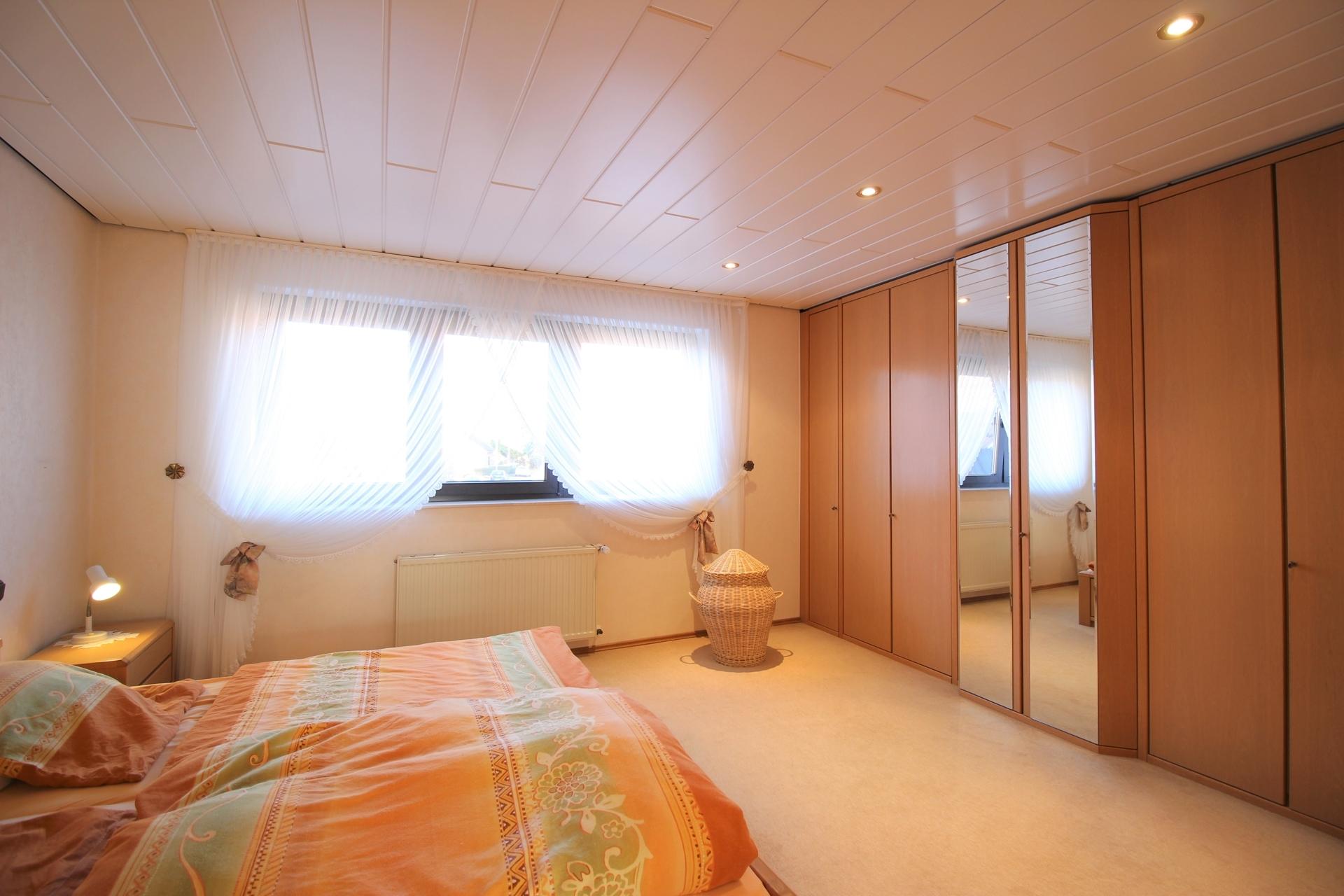 Zimmer 4,91 m x 4,01 m