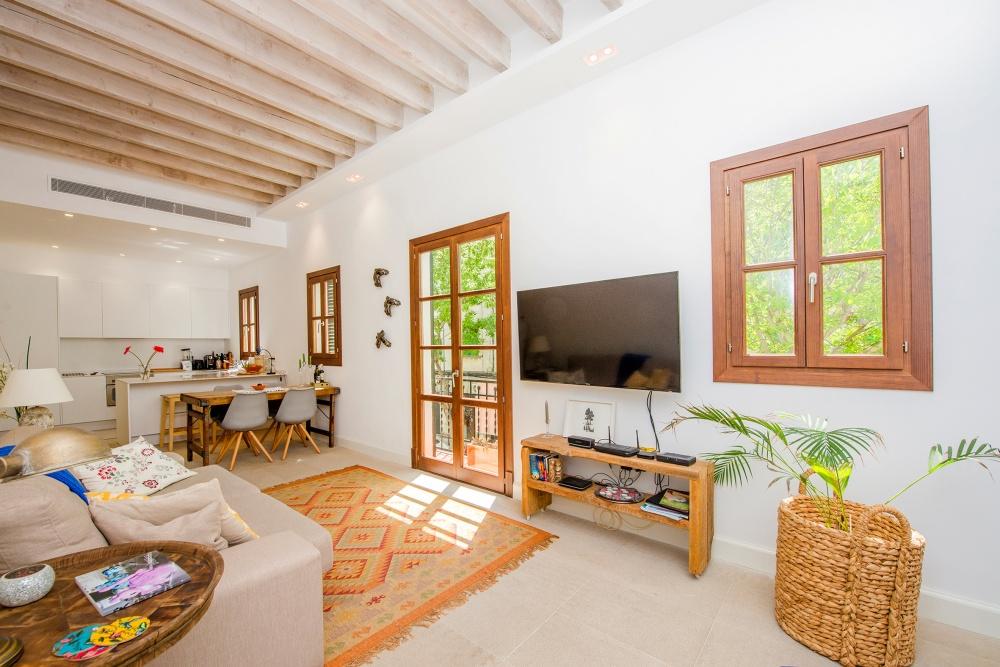 Bei diesem Objekt handelt es sich um eine geschmackvoll renovierte Wohnung ganz in der Nähe der Markthalle von Santa Catalina, Palma de Mallorca