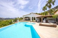 grosszügiger Poolbereich mit Panoramablick Villa Puerto de Andratx