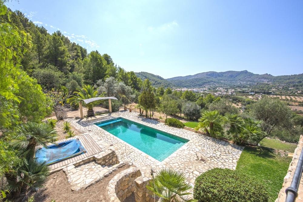 Finca auf Ibiza- Finca mit Pool in Traumlage