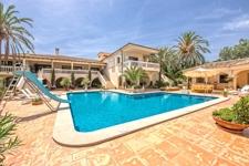 Villa mit Pool und Garten zum Verkauf in Sol de Mallorca