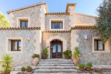Stilvolle Natursteinvilla zum Verkauf in Valldemossa Mallorca