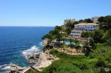 Geminschaftshaus in Cala Vinyas in erster Meereslinie Apartment zu verkaufen