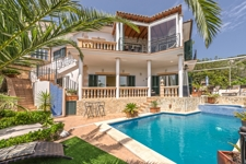 Villa mit Pool in Costa d'en Blanes Majorca steht zum Verkauf