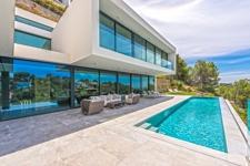 Luxuriöse und moderne Villa mit Pool und mit atemberaubenden Ausblicken in Costa d'en Blanes Mallorca