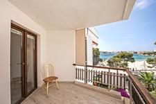 Terrasse mit Blick aufs Meer Apartment in Palmanova Majorca steht zum Verkauf