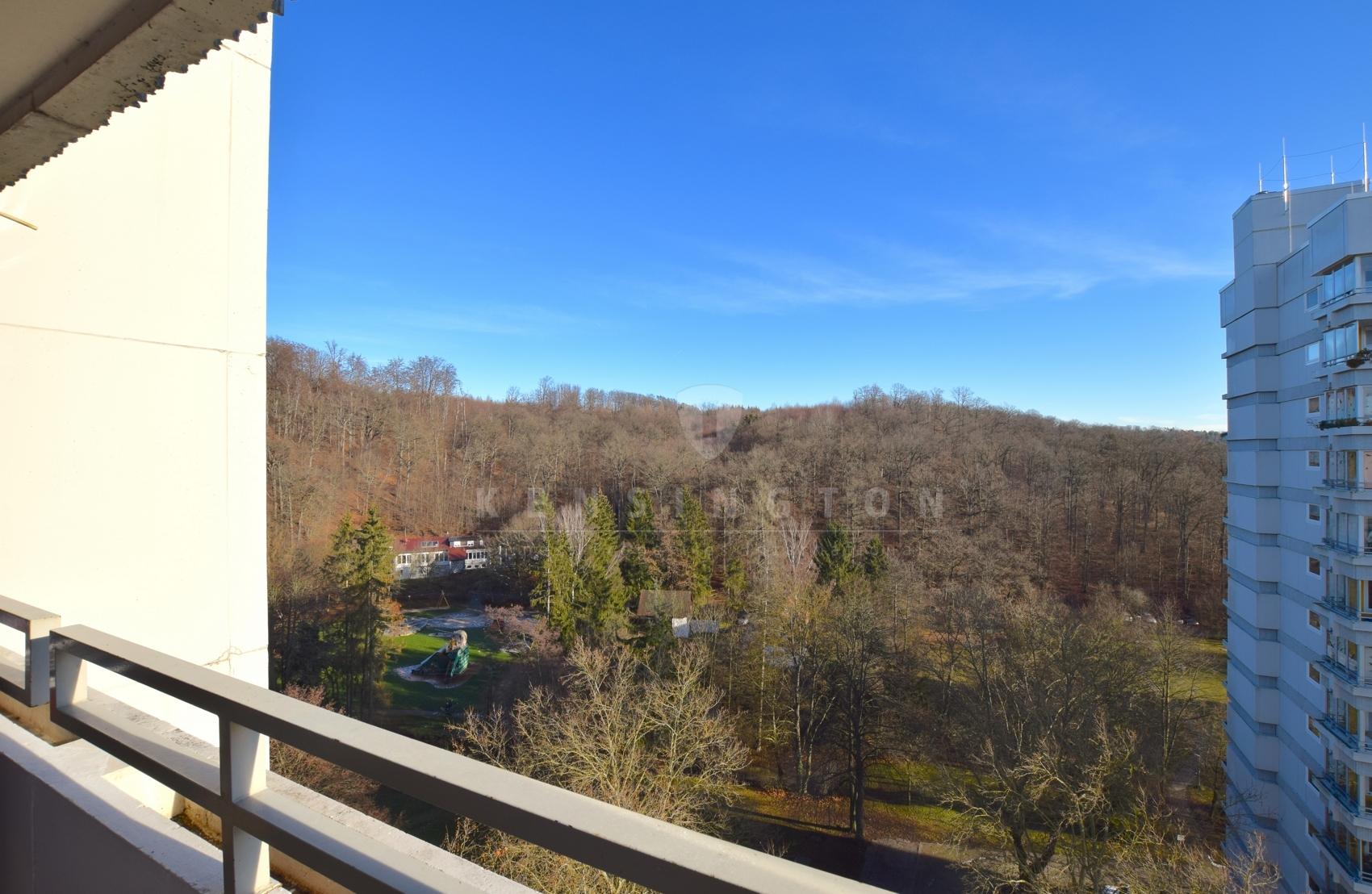 Ostbalkon mit Blick ins Grüne