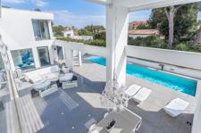Private pool in villa Portals