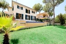 Villa in Bendinat mit Bergblick