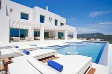 Privater Pool und Meerblick von Montport Villa Gaudi