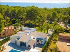Luxury villa in Second sea linea