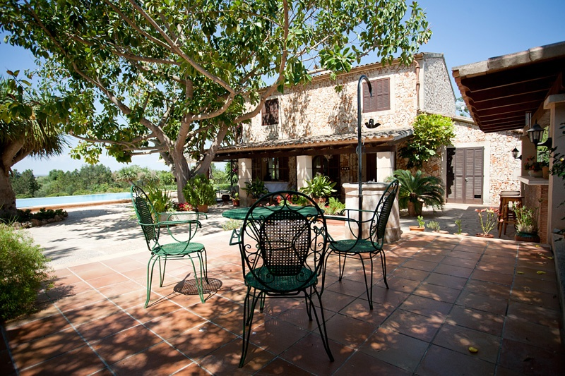This attractive property is located near Manacor, a popular town in the eastern part of Mallorca