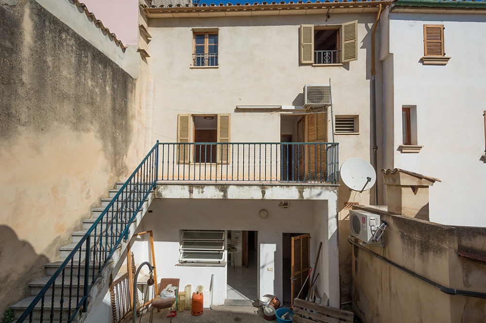 Townhouse with patio for sale in Pollensa
