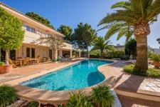 grosszügige Terrasse mit Pool Villa Puerto de Andratx