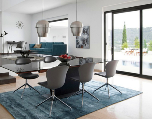 pflegeleichter-teppich-unter-esstisch-polyester-blaugrau-rechteckig