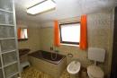 Badezimmer im Untergeschoss