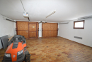 Große Doppel- Garage