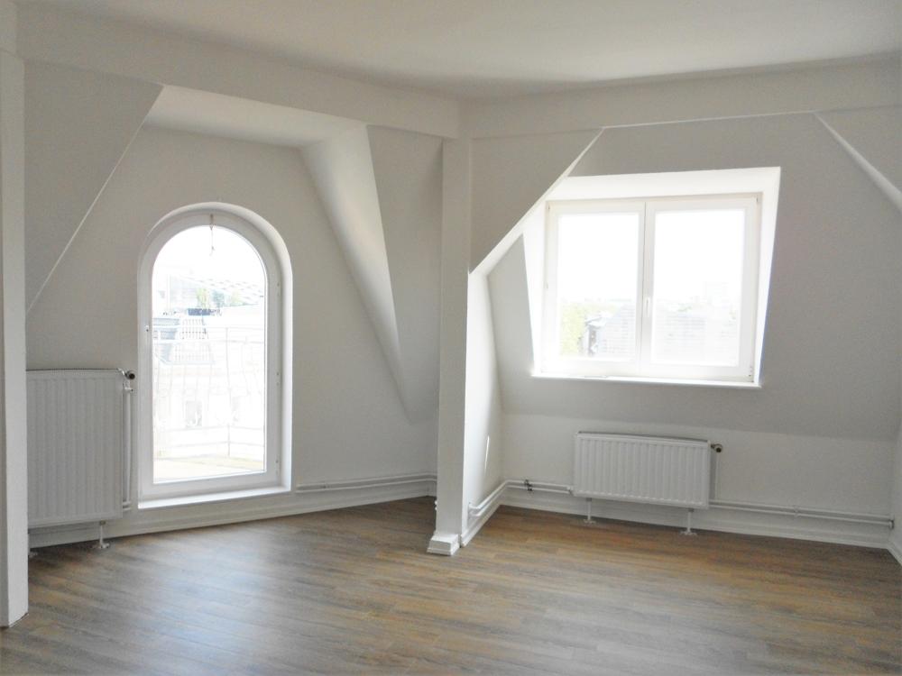 Eckzimmer m. Balkon