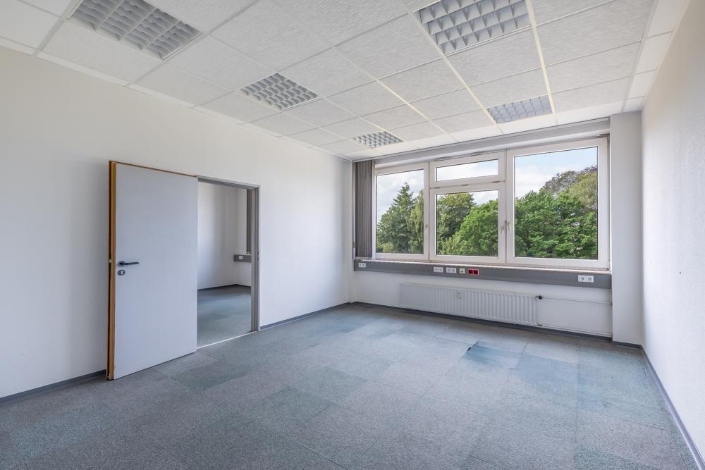 Büro 6