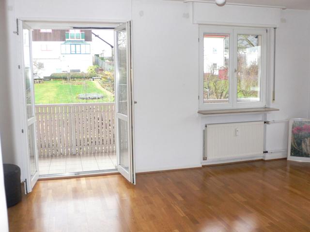 Wohnzimmer mit Balkon 1