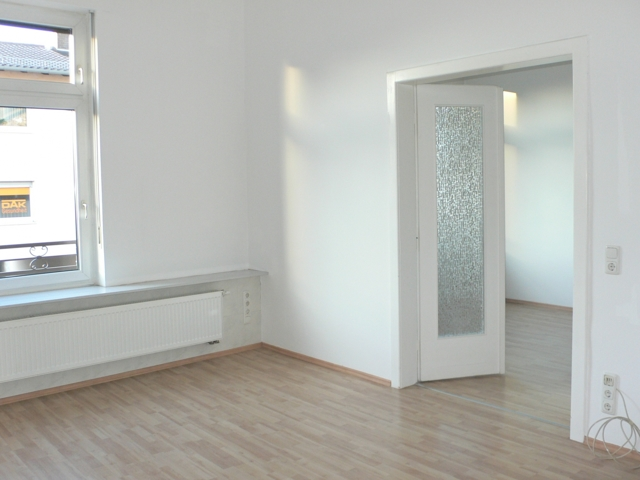 Wohnzimmer m. Esszimmereinblick