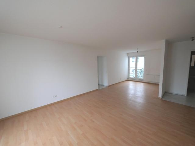 Wohnzimmer mit Essbereich Bild 1