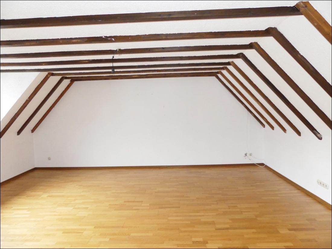 Wohn-/Schlafzimmer Foto 1