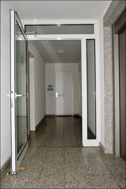 Hausflur mit Aufzug.png