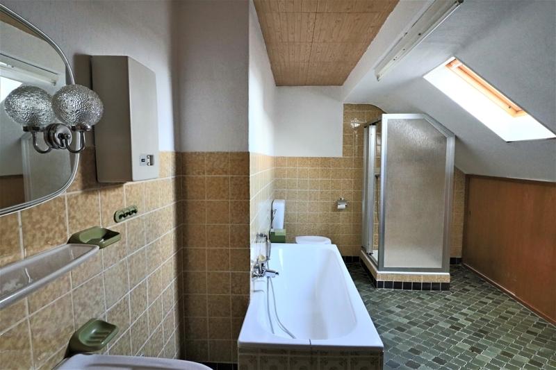 DG - großes Dusch- und Wannenbad
