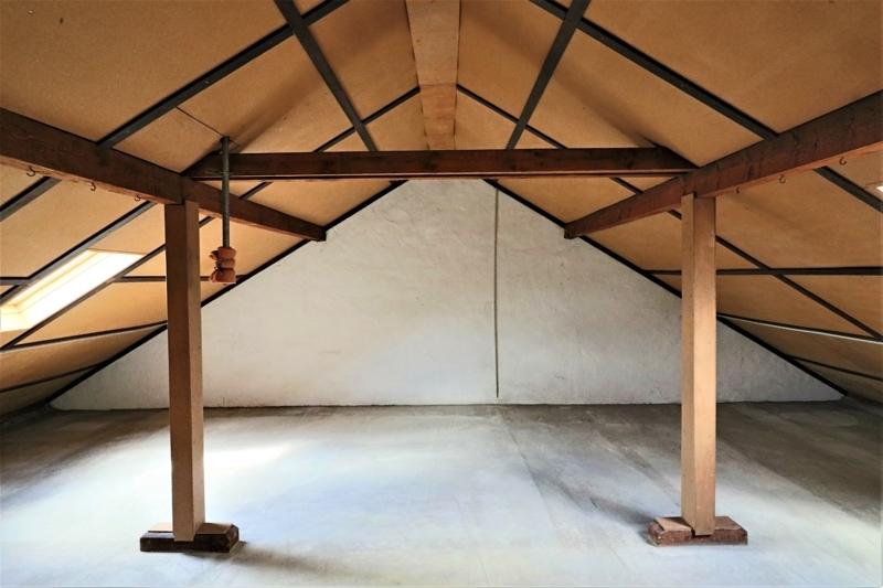 Ausbaureserve - geräumiger Dachboden