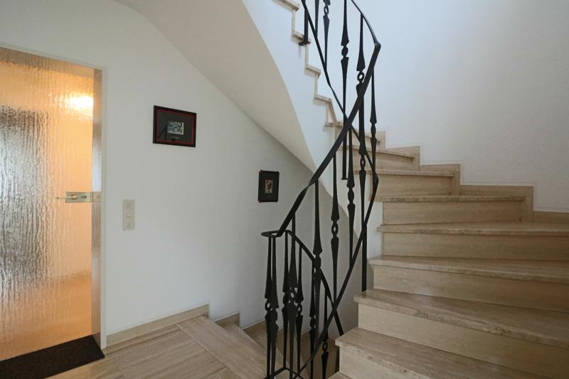 EG - niveauvoller Hauseingangsbereich