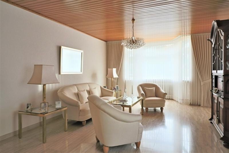 EG - Wohnzimmer mit Erker