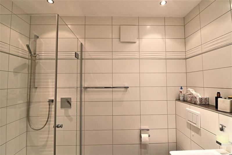 Gäste-WC mit gr. Dusche
