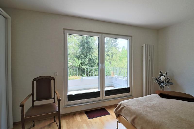 Schlafzimmer mit gr. Terrasse