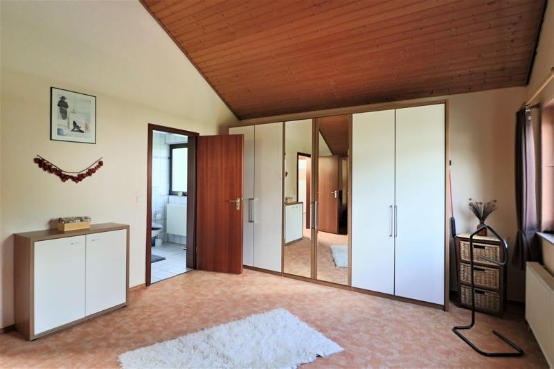 OG - Schlafzimmer mit Badezimmer en Suite