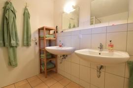 Badezimmer 2 im Erdgeschosss im EG