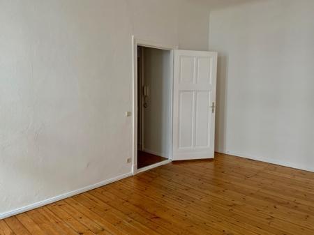 Zimmer Blick zum Flur