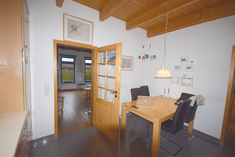 Tür zum Wohnzimmer aus der Küche