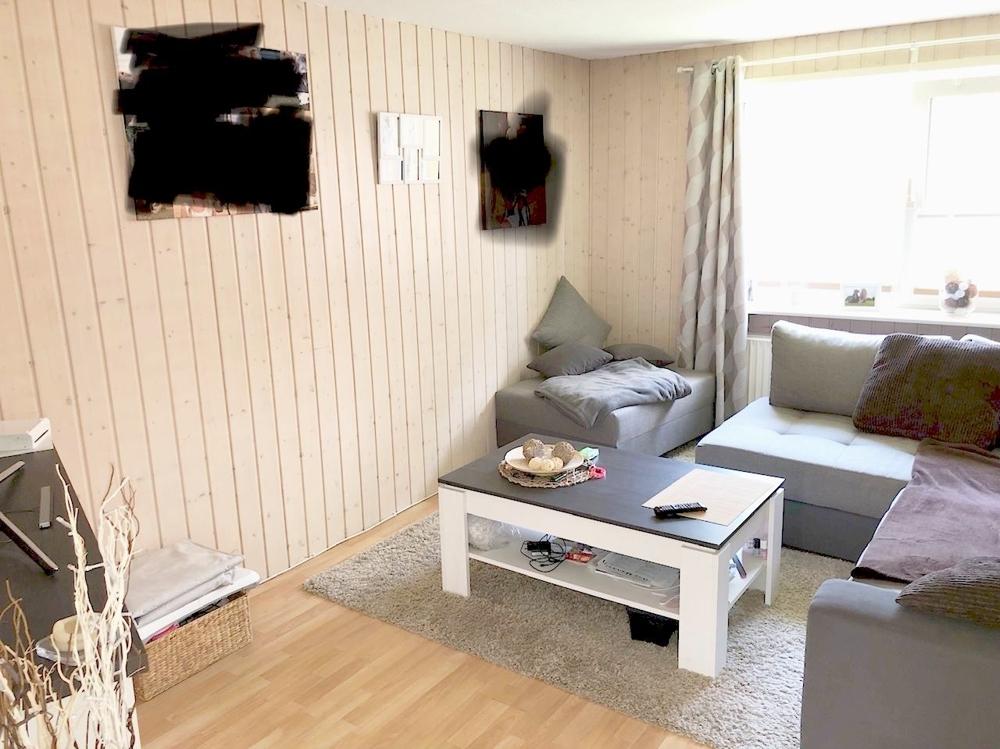 Teilansicht Wohnzimmer separate Wohnung