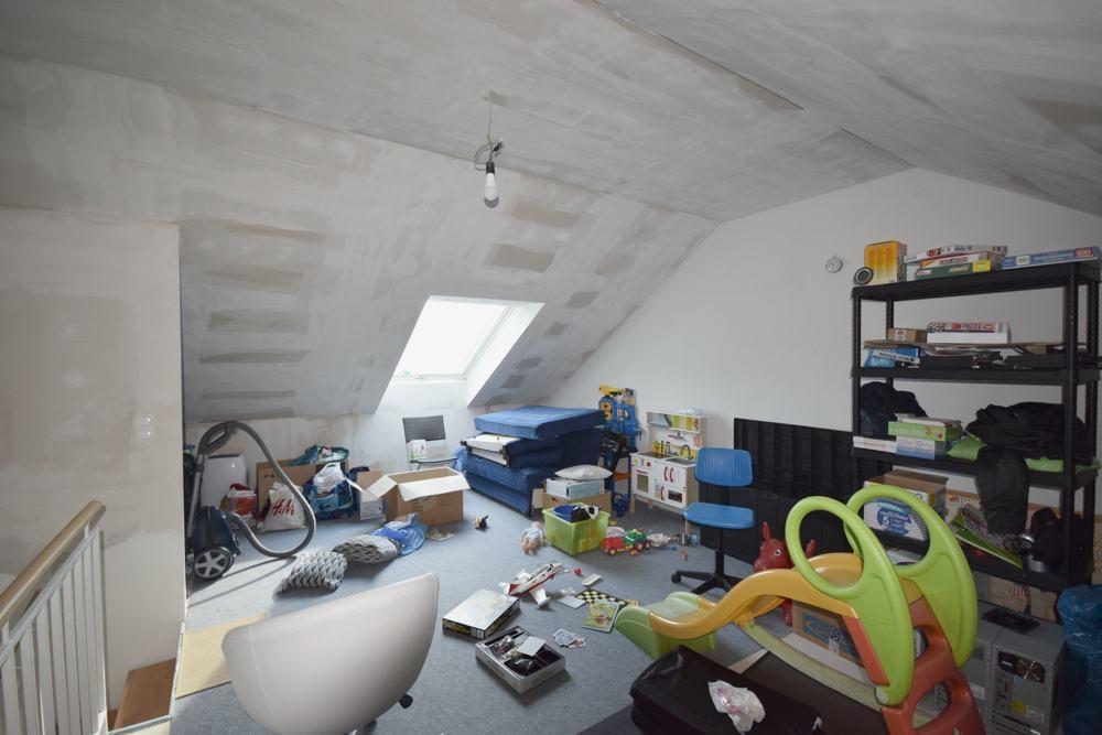 Sehr großer Dachboden
