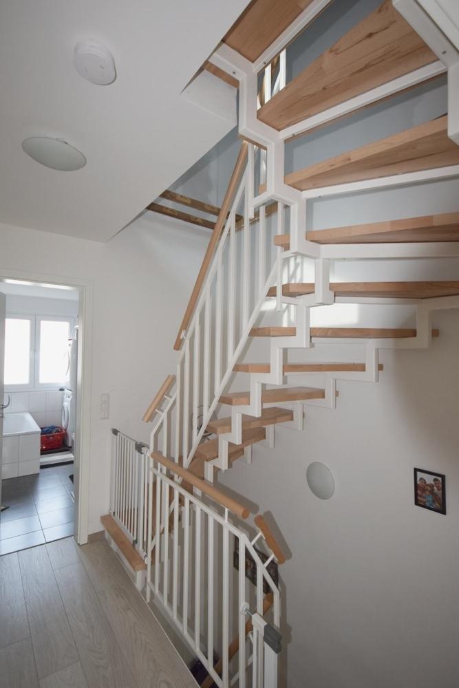 Treppe zum Dachboden vom OG