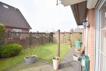 Terrasse und Gartenansicht