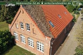 Giebel und Dach