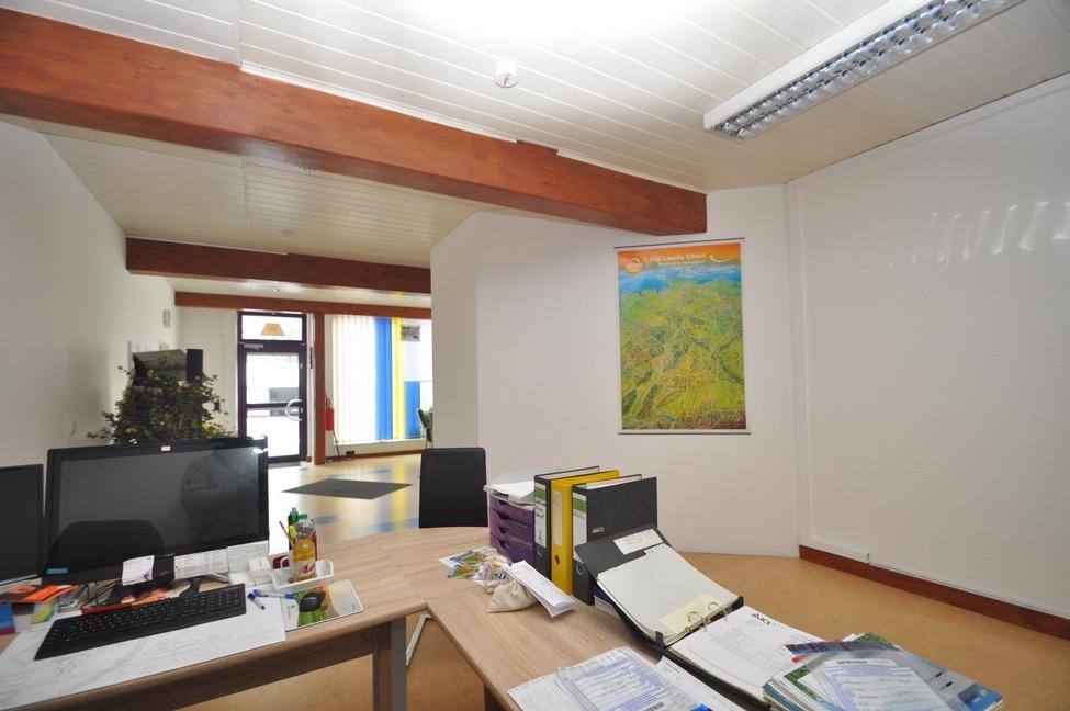 Büro Akra Handel-3