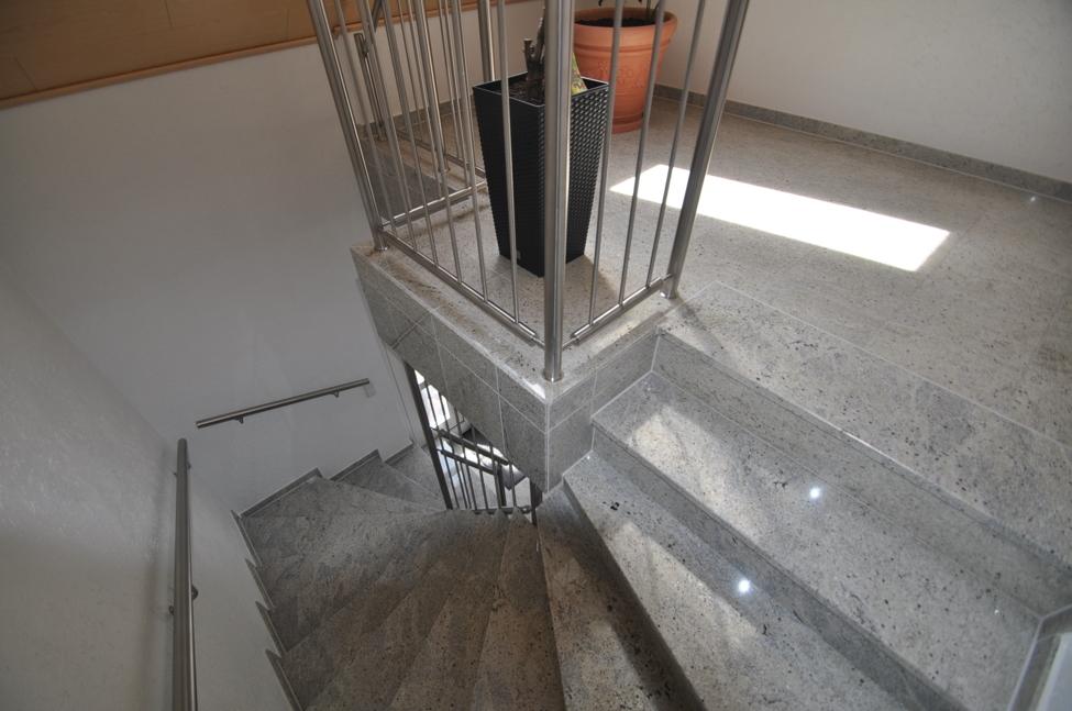 Treppenhaus zum 1.OG-DG