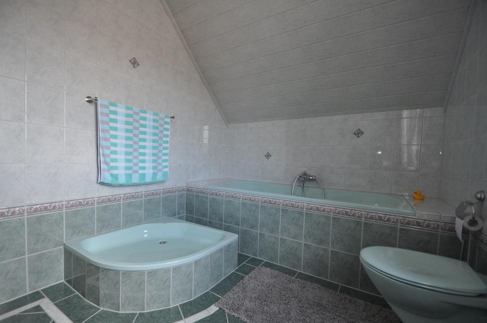 DG Dusch+Wannen-Bad